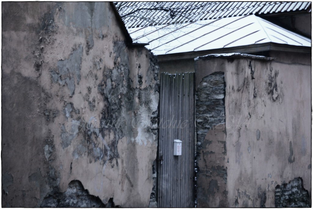 Old old gate, shame about the new letterbox!